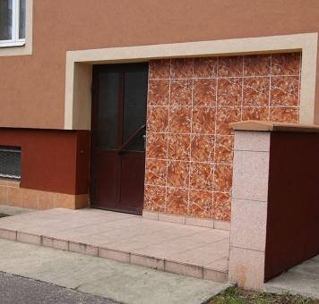 Revitalizace vchodu a sklepních oken